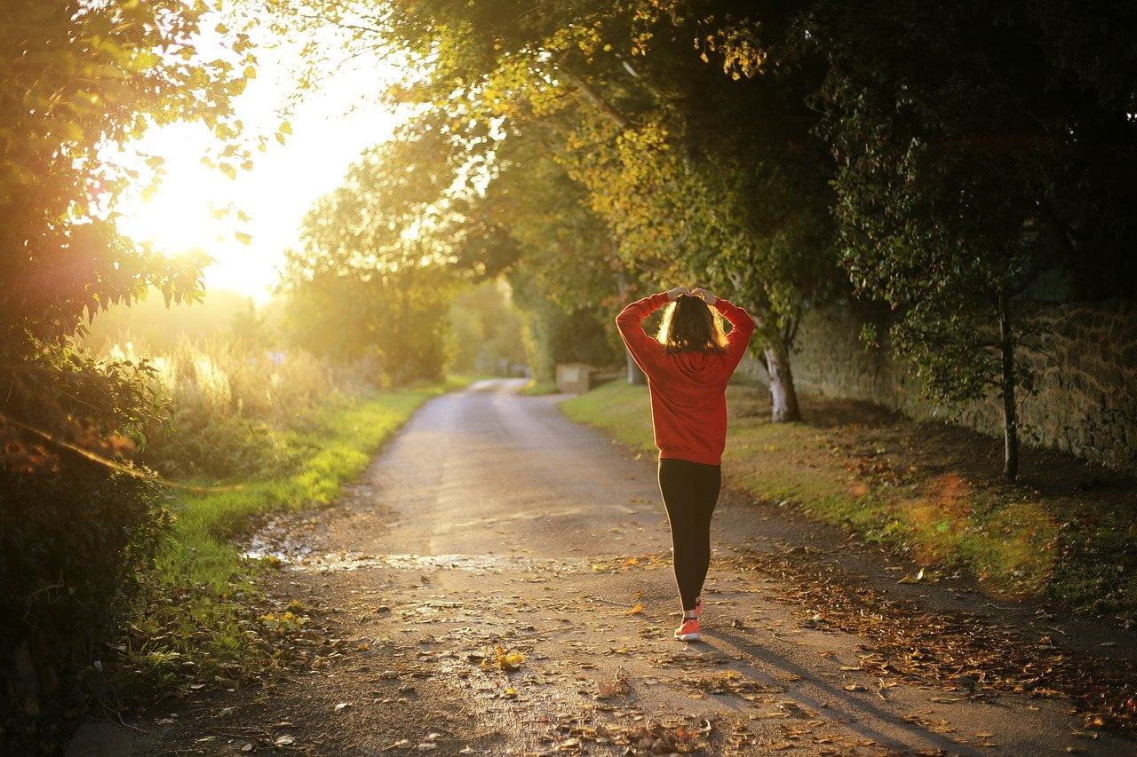 14 Incredible Health Benefits of Regular Walking