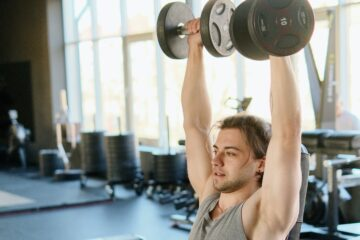 How to Get Toned Shoulders With Shoulder Press Workout