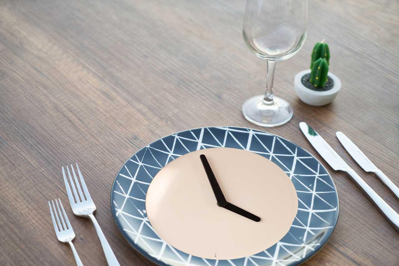 Hyperbolic Fasting